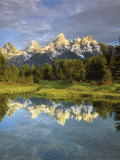 Grand Teton Mountains Reflecting in the Snake River, Grand Teton National Park, Wyoming, USA Photographie par Christopher Talbot Frank