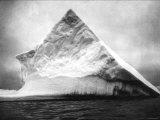 Newfoundland Iceberg Photo