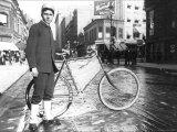 New York City Bike Messenger Photo by Elizabeth Alice Austen