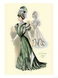 Le Costume Royal: Emerald Gown Posters