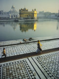 The Golden Temple, Holiest Shrine in the Sikh Religion, Amritsar, Punjab, India Fotografie-Druck von John Henry Claude Wilson