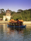 Kunming Hu Lake, Summer Palace Park, Summer Palace, Beijing, China, Asia Photographic Print by Gavin Hellier
