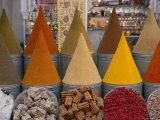 Spices for Sale, Mellah District, Marrakesh (Marrakech), Morocco, North Africa, Africa Fotografie-Druck von Gavin Hellier