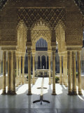 Moorish Architecture of the Court of the Lions, the Alhambra, Granada, Andalucia (Andalusia), Spain Fotodruck von Nedra Westwater