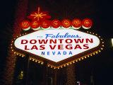 Welcome to Las Vegas Sign at Night, Las Vegas, Nevada, USA Photographie par Gavin Hellier