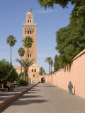 The Landmark Minaret of the Koutoubia Mosque, Marrakesh (Marrakech), Morocco, North Africa, Africa Fotografie-Druck von Gavin Hellier