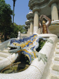 Mozaic Lizard Sculpture by Gaudi, Guell Park, Barcelona, Catalonia, Spain, Europe Fotografie-Druck von Robert Harding