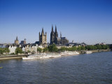 The Cathedral and River Rhine, Cologne, North Rhine Westphalia, Germany Impressão fotográfica por Hans Peter Merten