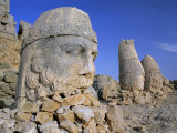 Ancient Carved Heads of Gods on Summit of Mount Nemrut, Nemrut Dagi (Nemrut Dag), Anatolia, Turkey Photographic Print by Lee Frost