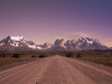 Gravel Road and Cuernos Del Paine, Torres Del Paine National Park, Patagonia, Chile, South America Lámina fotográfica por Jochen Schlenker