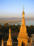 Lawkahtipan Pagoda and the Irrawaddy River, Bagan (Pagan), Myanmar (Burma) Photographic Print by Christina Gascoigne
