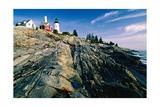 The Pemaquid Point Lighthouse with Rocky Shoreline Impressão fotográfica por George Oze