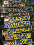 Welcome Signs, Laem Tong Beach, Phi Phi Don Island, Thailand, Southeast Asia, Asia Fotografie-Druck von Sergio Pitamitz