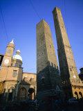 Le Torri Dell'Asinello (Asinelli Tower), Bologna, Emilia Romagna, Italy, Europe Fotografisk tryk af Oliviero Olivieri