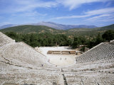 Ancient Greek Theatre, Epidaurus, Unesco World Heritage Site, Peloponnese, Greece, Europe Fotografisk tryk af Oliviero Olivieri