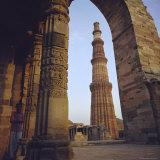 The Qutb Minar, Delhi, India Photographic Print by G Richardson