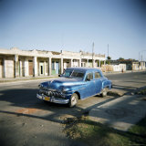 Old Blue American Car, Cienfuegos, Cuba, West Indies, Central America Photographic Print by Lee Frost