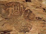 Petroglyphs Drawn in Sandstone by Anasazi Indians Around 500Ad, Valley of Fire State Park, Nevada Lámina fotográfica por Fraser Hall