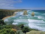 Sea Stacks at the Twelve Apostles on Rapidly Eroding Coastline, Victoria, Australia Lámina fotográfica por Robert Francis