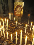 Candles Lit at the Boca del Verita Church in Rome, Italy Fotografie-Druck von Richard Nowitz