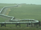 Alaska Pipeline Snakes its Way Across the Tundra of the North Slope Fotografie-Druck von Michael S. Quinton