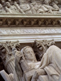 Closeup of a Statue at the Supreme Court Building, Washington, D.C. Fotografisk tryk af Kenneth Garrett