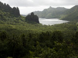 Hatiheu Bay, Nuku Hiva, French Polynesia Photographic Print by Tim Laman