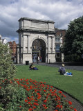 Fusileir&#39;s Arch at Saint Stephen&#39;s Green in Dublin, Ireland Photographic Print by Richard Nowitz