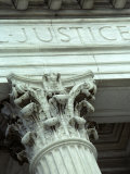 Detail of the U.S. Supreme Court Building, Washington, D.C. Fotografisk tryk af Kenneth Garrett
