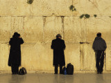 Jews Pray at the Western Wall Fotodruck von Annie Griffiths Belt