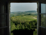 Open Window Looking Out on the Tuscan Hillside, Tuscany, Italy Fotografisk tryk af Todd Gipstein