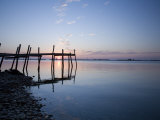 Sunrise with Pier on Chesapeake Bay, Maryland Fotografisk tryk af David Evans