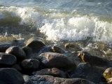 Waves Splash against Rocks at Leech Lake in Minnesota Fotografisk tryk af Joel Sartore