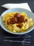 Pappardelle with Meatballs and Tomato Sauce Fotografisk tryk af Jean Cazals