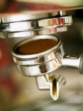 Filter Holder Being Fitted on Espresso Machine Fotografie-Druck von Steven Morris