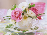 White and Pink Roses and Heather in a Cup Reprodukcja zdjęcia autor Friedrich Strauss