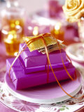 Christmas Table Setting in Violet and Gold Fotografie-Druck von Alexander Van Berge