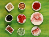 Ingredients for Pasta Dishes: Tomato Puree, Ham, Peas Etc. Photographie par Dirk Albrecht