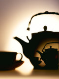 Tea Pot with Tea Cup Fotografie-Druck von Ulrike Koeb