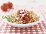 Red Pasta Spirals with Tomato Sauce Fotografisk tryk af Brigitte Sporrer