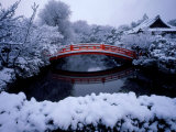 Bridge in Sinsen-En Garden in Snow, Kyoto, Japan Photographie