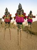 Masked Ceremonial Dogon Dancers, Sangha, Dogon Country, Mali Fotografisk tryk af Gavin Hellier