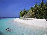 Tropical Beach at Maldives Lmina fotogrfica por Jon Arnold