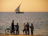 Dhow, Zanzibar, Tanzania Fotografisk tryk af Peter Adams