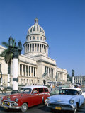 Vintage Cars and Capitol Building, Havana, Cuba Photographic Print by Steve Vidler