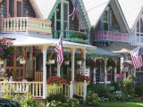 Gingerbread House, Oak Bluffs, Martha's Vineyard, Massachusetts, USA Stampa fotografica di Walter Bibikow