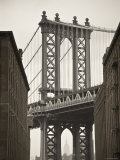 Manhattan Bridge and Empire State Building, New York City, USA Fotografie-Druck von Alan Copson