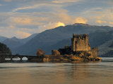 Eilean Donan Castle, Western Highlands, Scotland Fotografie-Druck von Gavin Hellier