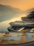 Boats on Lake, Wales Fotodruck von Peter Adams