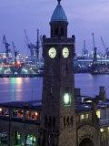 Landungsbrucken, Port of Hamburg, Germany Fotodruck von Demetrio Carrasco